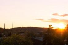 Auringonlasku harjun taa